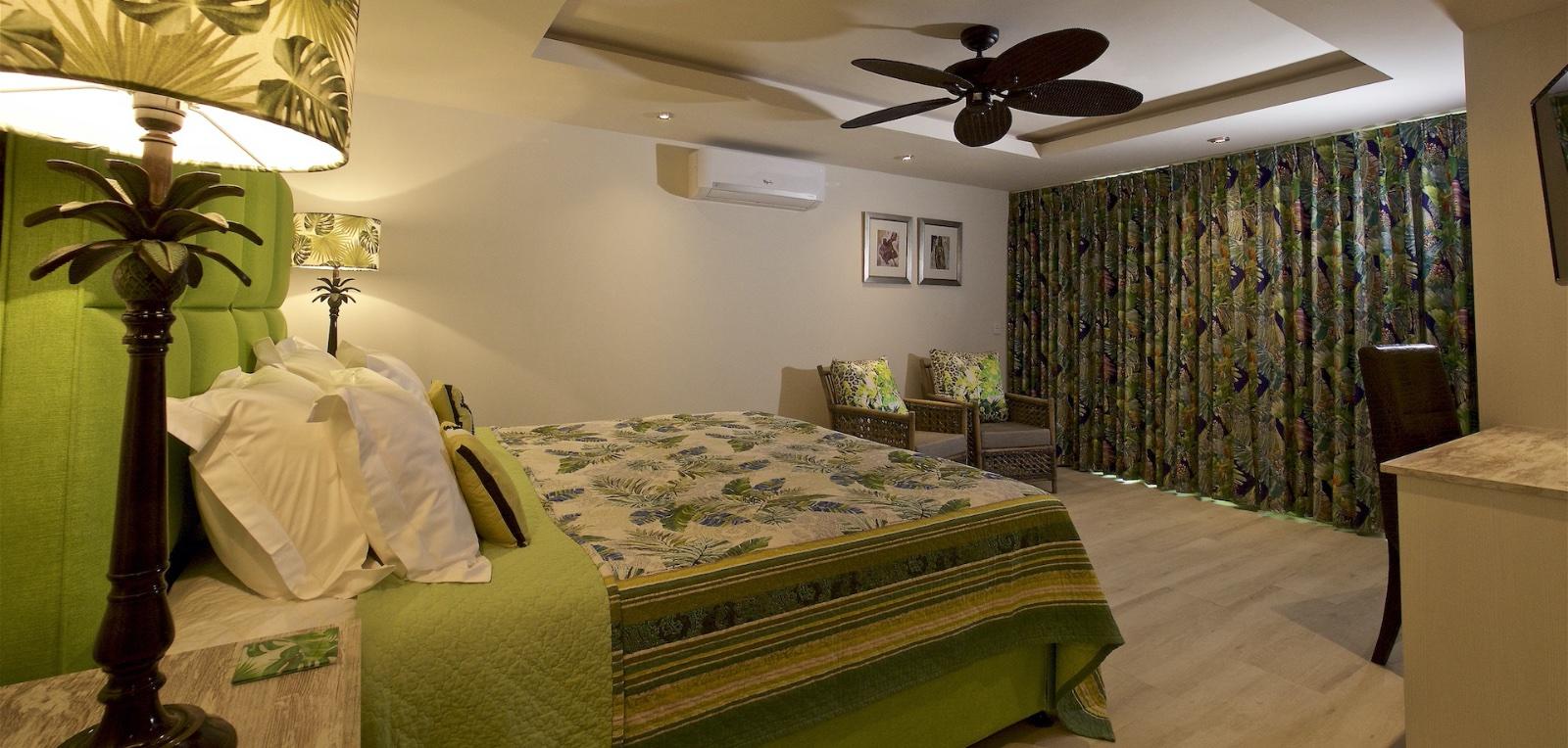 Secret Garden room>       <h1>Secret Garden room</h1>     </div>    </div> <div class=